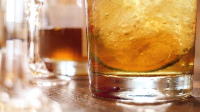 サラトガクーラーの由来(意味)とは?ノンアルカクテルなの?バーで飲める?