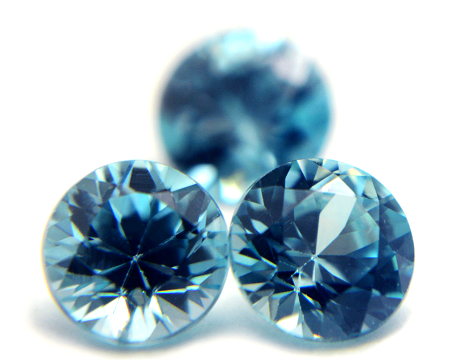 ジルコンの意味(石言葉)とは?色の種類や硬度・効果についても解説!