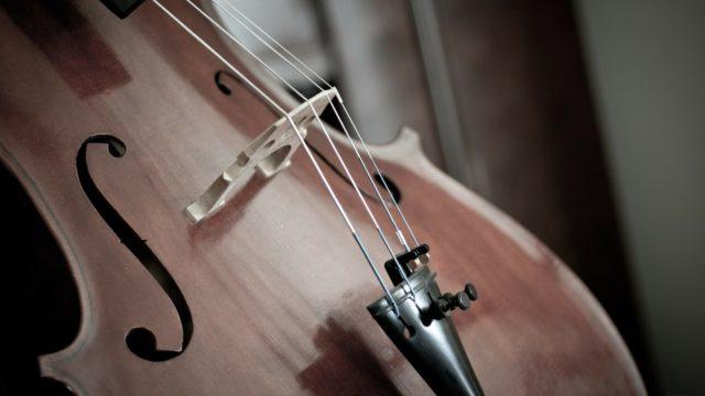 ピチカート(pizzicato)の意味とは?バレエでやバイオリンで使う音楽記号?