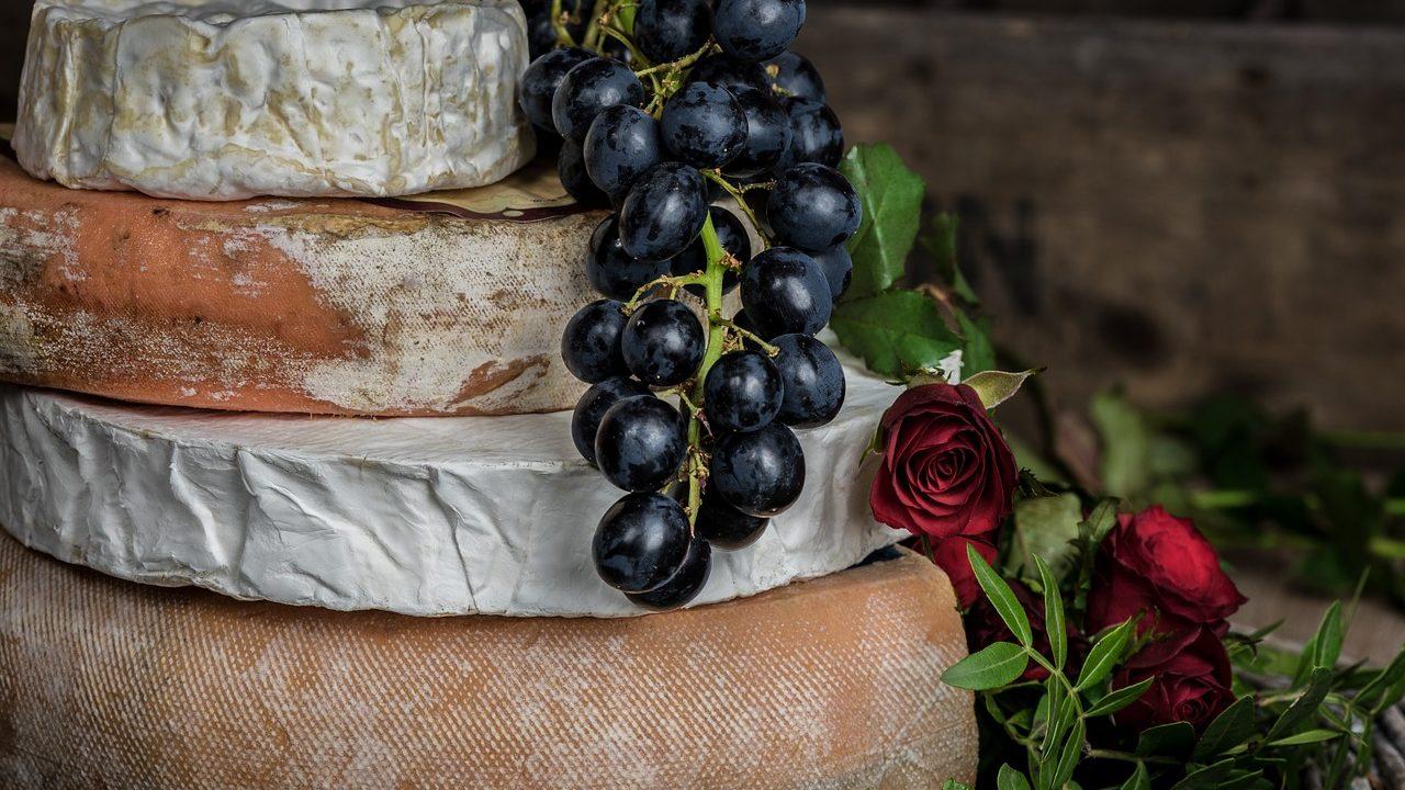ブッラータの食べ方とは?通販で買えるの?気になるカロリーやパスタに合うチーズか調査!