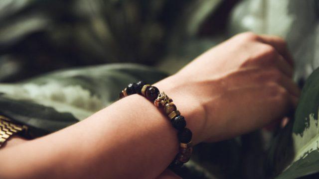オニキスの石言葉の意味や効果とは?夫婦や家族へのプレゼントにおすすめ?