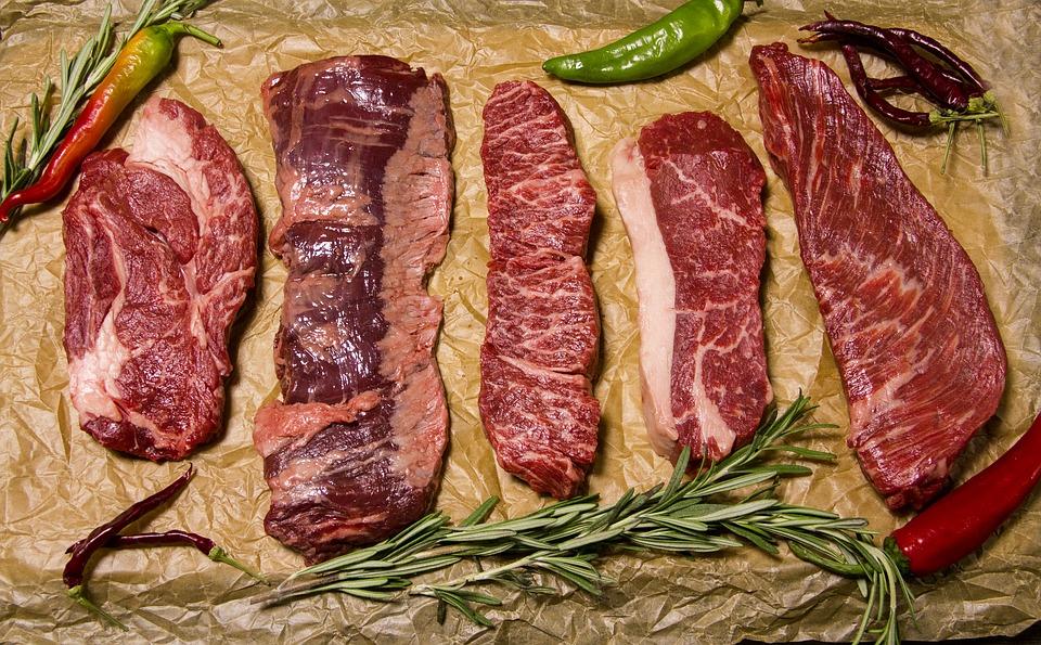 サルティンボッカの意味とは?「口に飛び込む」料理?簡単レシピやソースも紹介!