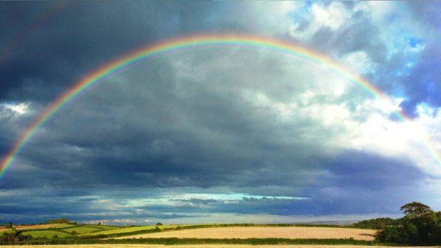 虹の意味や語源(由来)は?虫偏の理由とダブルレインボーの言い伝えも!