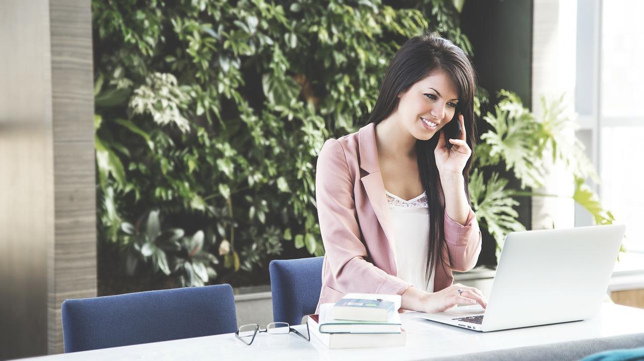 当社/弊社/貴社/御社の違いと使い分け!就活や自社電話応対で使うのはどれ?