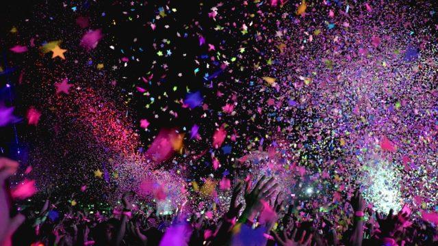 コンサートとライブの違いは?リサイタルやフェストとの区別はジャンル?