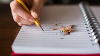 ガクチカとは?ない場合の書き方や学業・ゼミ等の例文を紹介!自己PRとの違いは?
