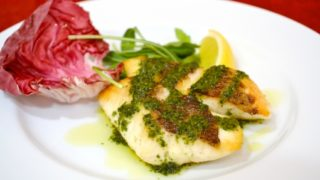 ポワレとは?意味やムニエル/ソテーとの違いは?魚の調理法なの?