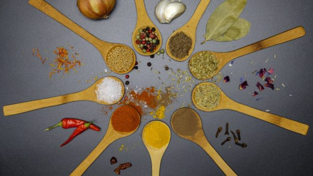 ガラムマサラとは?カレー粉との違い/代替できる?効能や味は辛いのか調査!