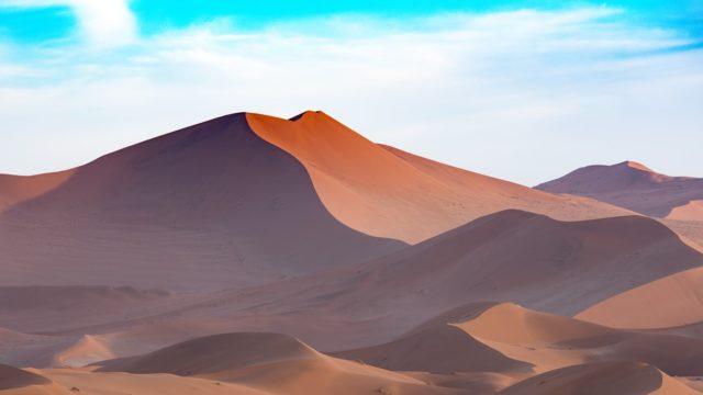 砂丘と砂漠の違いや意味は?日本のどこにある?英語表記や原因・由来も!