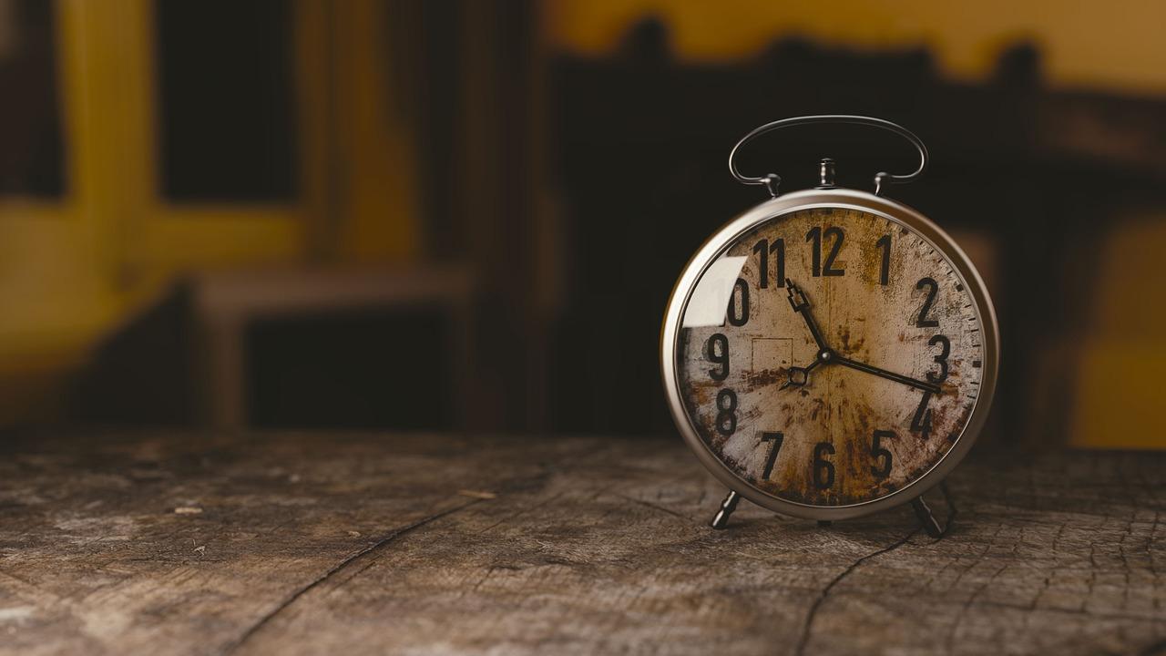 0時と24時の違いと使い分け!今日明日どっちで深夜/午後何時と表記すべき?