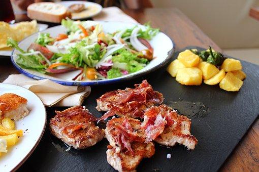 タパスとは?意味やピンチョスとの違いは?どんな料理か簡単レシピで解説!
