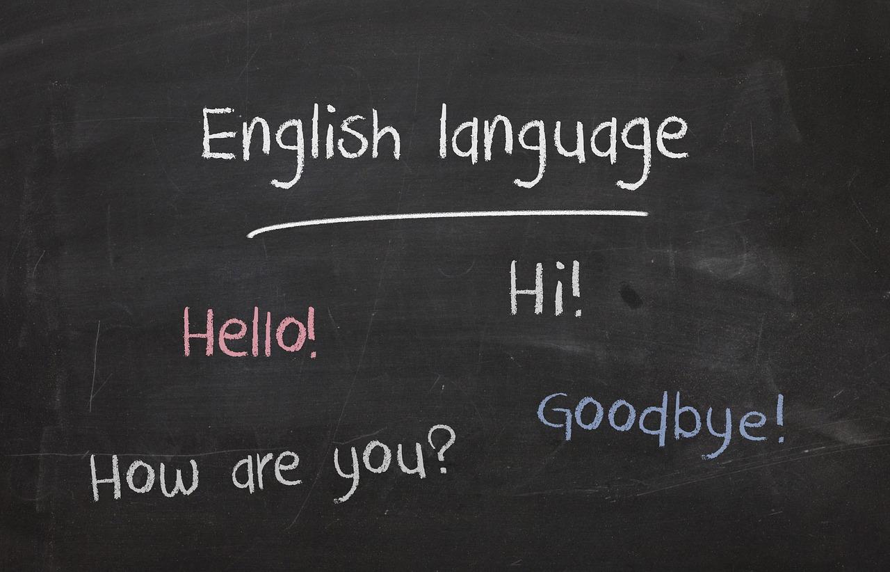 プレゼンツの意味とは?英語が語源?バイ/フォーを使った例文を紹介!