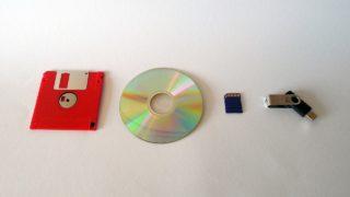 フォーマットの意味とは?DVD/USB/パソコンと関係が?SDカードも!