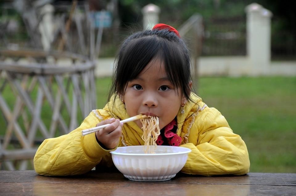 ジャージャー麺とは?味や由来・英語表記を調査!簡単レシピも!