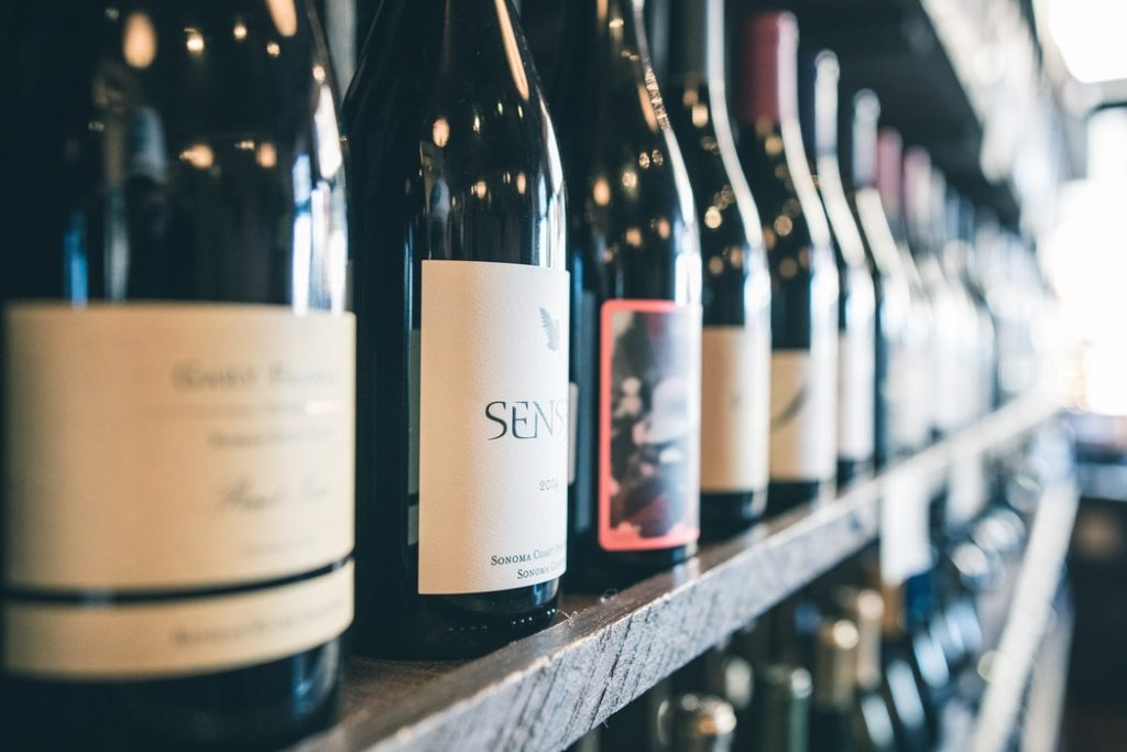シノニムの意味とは?ワイン/生物/システム(oracle)の使い方は?
