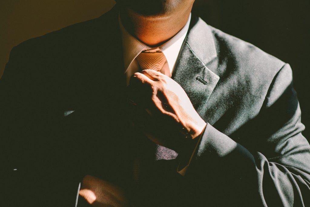トレードオフの意味とは?ビジネス用語?生物/経済学/二律背反に関係が?