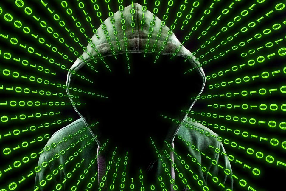 トロイの木馬の意味とは?どんなウイルスなの?危険なのはパソコンだけ?