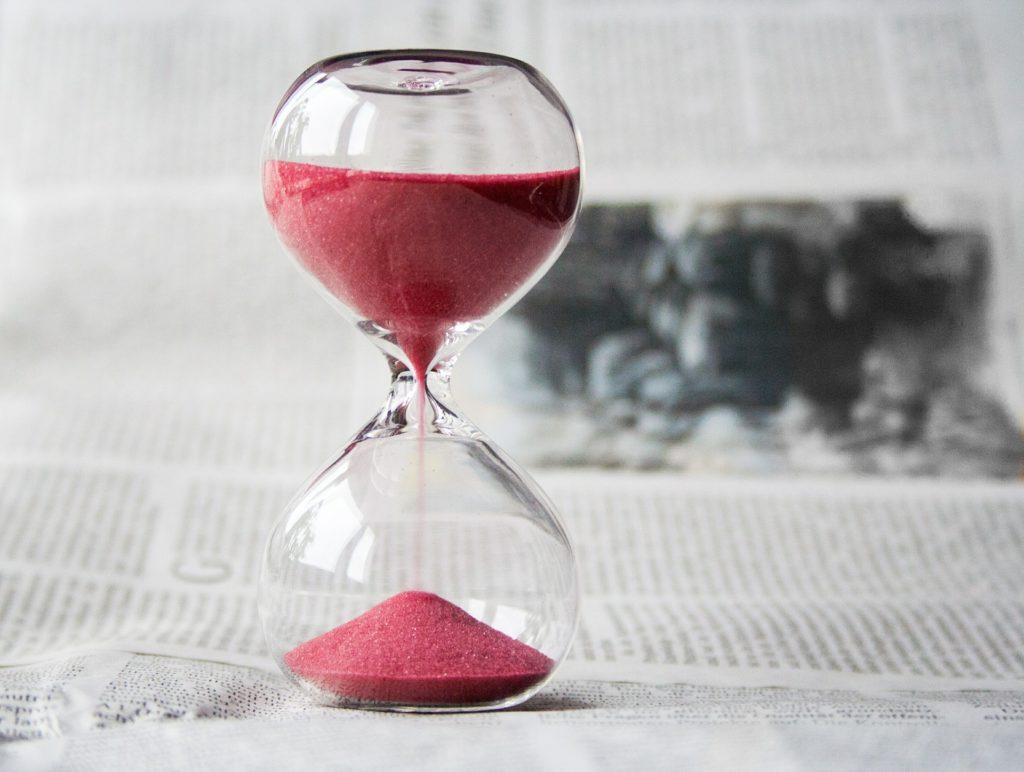 直近の意味とは?類語や対義語は?最近との違いや「いつまで」を指す?