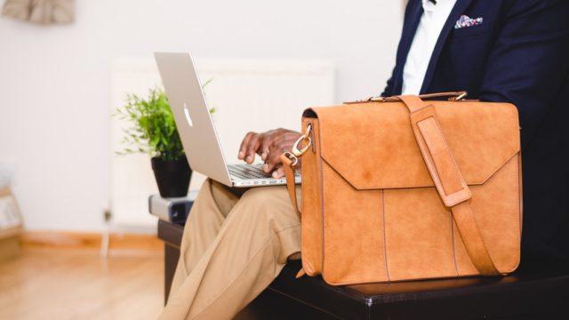 退社と退職の違いは?使い分け(挨拶/電話/履歴書)を解説!アルバイトはどっち?