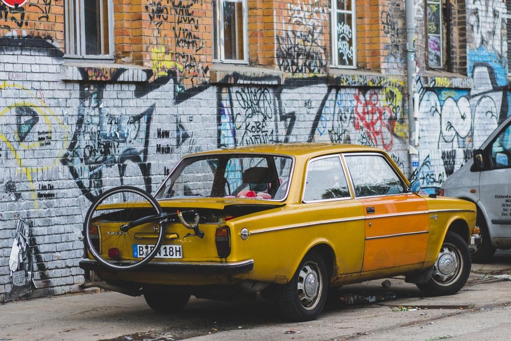 タクシーとハイヤーの違いとは?料金・予約・給料は?ドライブレコーダー義務は?