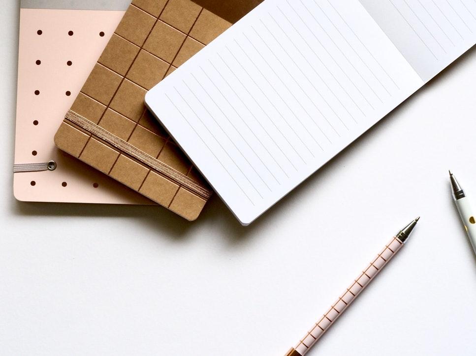 コラムとエッセイの違いや書き方は?ブログや作文との使い分けも!