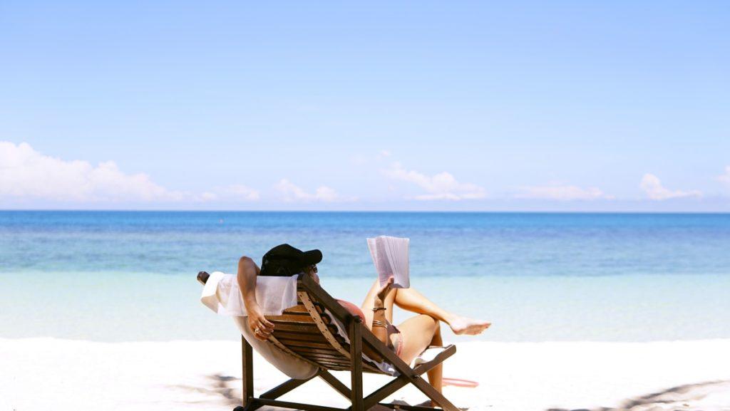 休日・休暇・休業との違いとは?就業規則・労働基準法・残業単価は?