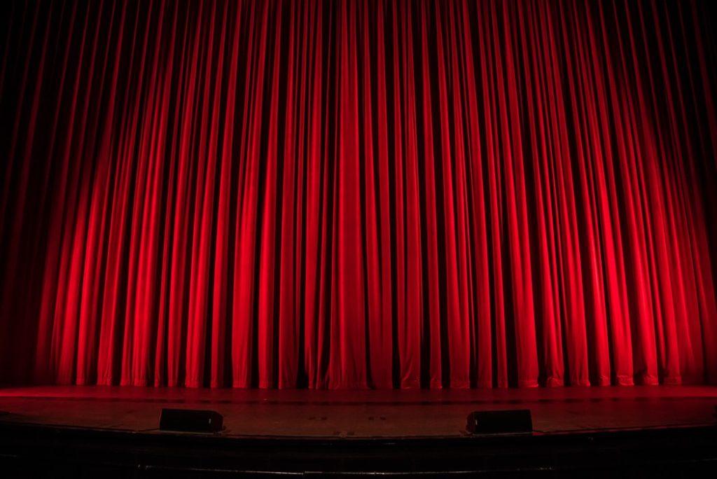 講演・公演・上演の違いや意味とは?使い分けを例文で超簡単に説明!